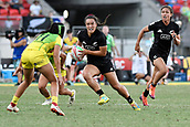 3rd February 2019, Spotless Stadium, Sydney, Australia; HSBC Sydney Rugby Sevens; New Zealand versus Australia; Womens Final; Theresa Fitzpatrick of New Zealand runs towards Page McGregor of Australia