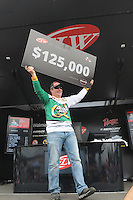NWA Democrat-Gazette/FLIP PUTTHOFF <br /> Scott Canterbury of Springville Ala., held on to his Saturday lead to win the Walmart FLW Tour bass tournament Sunday at Beaver Lake and the $125,000 first prize.
