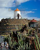 Spanien, Kanarische Inseln, Lanzarote, Guatiza: Jardin de Cactus, Windmuehle | Spain, Canary Island, Lanzarote, Guatiza: Jardin de Cactus, windmill