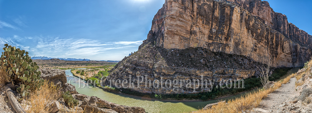 Curve of Rio Grande River as it flows thru the Santa Elena Canyon.