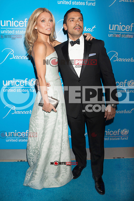 NEW YORK, NY - NOVEMBER 27: Kelly Ripa and Mark Consuelos attend the Unicef SnowFlake Ball at Cipriani 42nd Street on November 27, 2012 in New York City. © Diego Corredor/MediaPunch Inc. /NortePhoto
