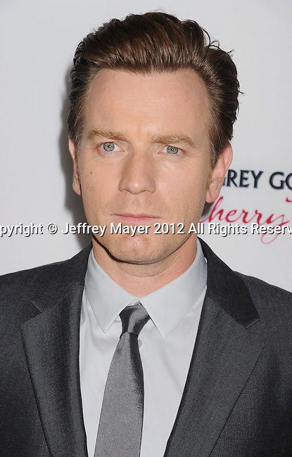 HOLLYWOOD, CA - DECEMBER 10: Ewan McGregor  arrives at the 'The Impossible' - Los Angeles Premiere at ArcLight Cinemas Cinerama Dome on December 10, 2012 in Hollywood, California.