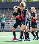 AMSTELVEEN  -  Maria Verschoor (A'dam)  met links Noor de Baat (A'dam) .   Hoofdklasse hockey dames ,competitie, dames, Amsterdam-Groningen (9-0) .     COPYRIGHT KOEN SUYK