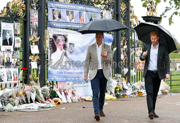 30 August 2017 - London, England - Prince William Duke of Cambridge and Prince Harry view tributes to their mother Princess Diana after visiting The Sunken Garden at Kensington Palace in London. The garden has been transformed into a White Garden dedicated in the memory of the late Princess Diana on the eve of the 20th Anniversary of her Death. Photo Credit: ALPR/AdMedia