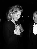 ID :  pr_000825C_10<br /> MicËle Larocque ;  actrice FranÁaise et membre du Jury arriavant au<br /> Party d'ouverture de FFM<br /> MENTION OBLIGATOIRE : Photo :  © Pierre Roussel, 2000