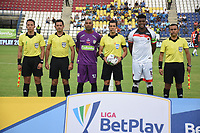 MONTERIA - COLOMBIA, 10-03-2020: Robinson Zapata de Jaguares, Andres Rojas, árbitro, Juan Camilo Chaverra del Cucuta y Herminzul Calderon, Camilo Sanchez, Never Manjarres, arbitros asistentes, durante el partido por la fecha 8 de la Liga BetPlay DIMAYOR I 2020 entre Jaguares de Córdoba F.C. y Cúcuta Deportivo jugado en el estadio Jaraguay de la ciudad de Montería. / Robinson Zapata goalkeeper of jaguares, Andres Rojas, referee, Juan Camilo Chaverra goalkeeper of Cucuta and Herminzul Calderon, Camilo Sanchez, Never Manjarres, assistant referees, during match for the date 8 as part BetPlay DIMAYOR League I 2020between Jaguares de Cordoba F.C. and Cucuta Deportivo played at Jaraguay stadium in Monteria city. Photo: VizzorImage / Andres Felipe Lopez / Cont