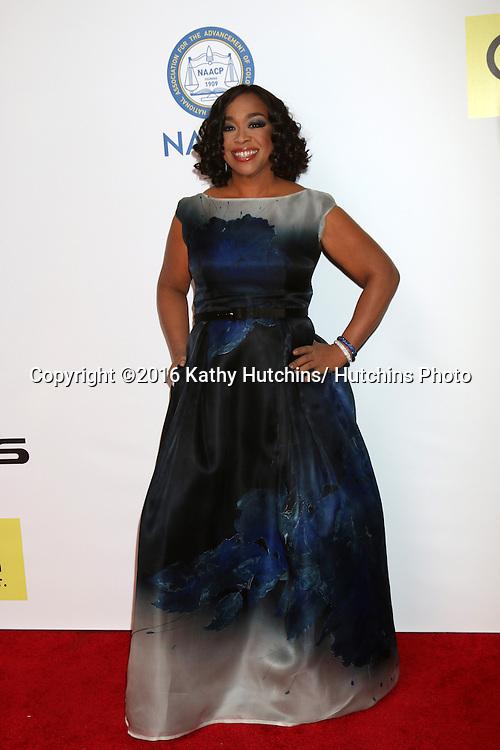 LOS ANGELES - FEB 5:  Shonda Rhimes at the 47TH NAACP Image Awards Arrivals at the Pasadena Civic Auditorium on February 5, 2016 in Pasadena, CA