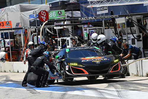 IMSA WeatherTech SportsCar Championship<br /> Advance Auto Parts SportsCar Showdown<br /> Circuit of The Americas, Austin, TX USA<br /> Saturday 6 May 2017<br /> 86, Acura, Acura NSX, GTD, Oswaldo Negri Jr., Jeff Segal - Pit Stop<br /> World Copyright: Richard Dole<br /> LAT Images<br /> ref: Digital Image RD_COTA_17280