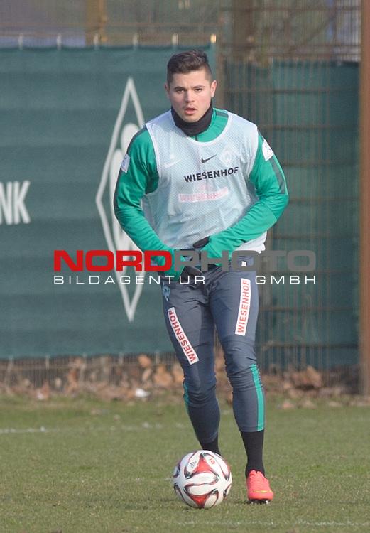 19.02.2015, Trainingsgelaende, Bremen, GER, 1.FBL, Training Werder Bremen, im Bild Marnon Busch (Bremen #38)<br /> <br /> Foto &copy; nordphoto / Frisch