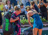 Paris, France, 29 May, 2018, Tennis, French Open, Roland Garros, Richel Hogenkamp (NED) is passing Maria Sharapova after their match<br /> Photo: Henk Koster/tennisimages.com