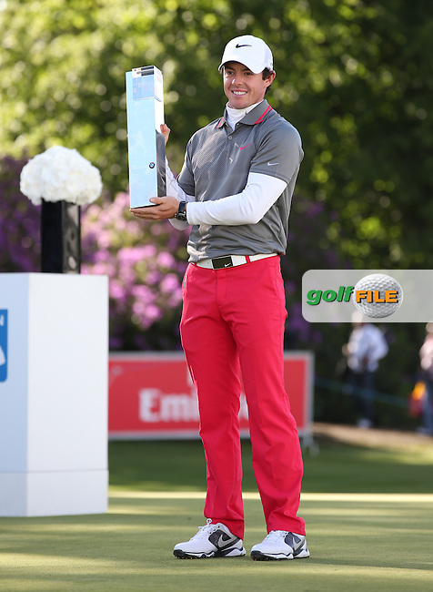 Rory McIlroy (NIR) with the BMW PGA Championship Trophy, from Wentworth Golf Club, Virginia Waters, London, UK. Picture:  David Lloyd / www.golffile.ie