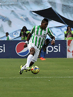 BOGOTA- COLOMBIA -04 -02-2014: Wilder Guisao jugador de Atletico Nacional durante partido de la cuarta fecha de la Liga Postobon I 2014, jugado en el Nemesio Camacho El Campin de la ciudad de Bogota. / Wilder Guisao player of Atletico Nacional a goal scored during a match for the fourth date of the Liga Postobon I 2014 at the Nemesio Camacho El Campin Stadium in Bogoto city. Photo: VizzorImage  / Luis Ramirez / Staff