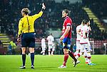 S&ouml;dert&auml;lje 2014-11-09 Fotboll Kval till Superettan Assyriska FF - &Ouml;rgryte IS :  <br /> &Ouml;rgrytes David Leinar f&aring;r ett gult kort av domare Jim Petersson under matchen mellan Assyriska FF och &Ouml;rgryte IS <br /> (Foto: Kenta J&ouml;nsson) Nyckelord:  S&ouml;dert&auml;lje Fotbollsarena Kval Superettan Assyriska AFF &Ouml;rgryte &Ouml;IS varning gult kort