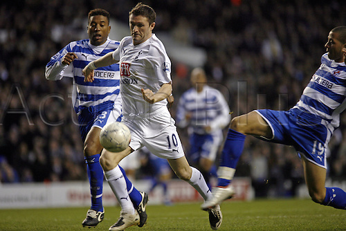 5 January 2008: Spurs striker Robbie Keane bursts through the Reading defence during the FA Cup 3rd Round game between Tottenham Hotspur and Reading played at the White Hart Lane. The game ended 2-2. Photo: actionplus...football soccer 080105 player