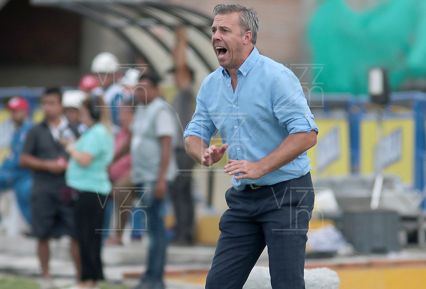 NEIVA - COLOMBIA, 28-07-2019: Lucas Pusineri técnico de Cali gesticula durante partido por la fecha 3 de la Liga Águila II 2019 entre Atlético Huila y Deportivo Cali jugado en el estadio Guillermo Plazas Alcid de la ciudad de Neiva. / Lucas Pusineri coach of Cali gestures during match for the date 3 of the Liga Aguila II 2019 between Atletico Huila and Deportivo Cali played at the Guillermo Plazas Alcid stadium of Neiva city. VizzorImage / Sergio Reyes / Cont