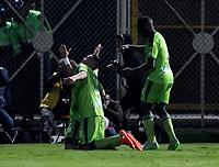 BOGOTA - COLOMBIA -25 - 11 - 2017: Los jugadores de La Equidad, celebran el gol anotado a Millonarios, durante partido de ida entre La Equidad y Millonarios, de los cuartos de final la Liga Aguila II - 2017, jugado en el estadio Metropolitano de Techo de la ciudad de Bogota. / The players of La Equidad celebrate a scored goal to Millonarios, during a match for the first leg between  La Equidad and Millonarios, to the quarter of finals for the Liga Aguila II - 2017 at the Metropolitano de Techo Stadium in Bogota city, Photo: VizzorImage  / Luis Ramirez / Staff.