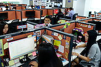 PHILIPPINES, Manila, Rockwell Business Center, Pasig City, KPO Knowledge Process Outsorcing, callcenter von Global Learning working for australian clients  / PHILIPPINEN, Manila, KPO Knowledge Process Outsorcing, callcenter von Global Learning arbeitet fuer australische Kunden