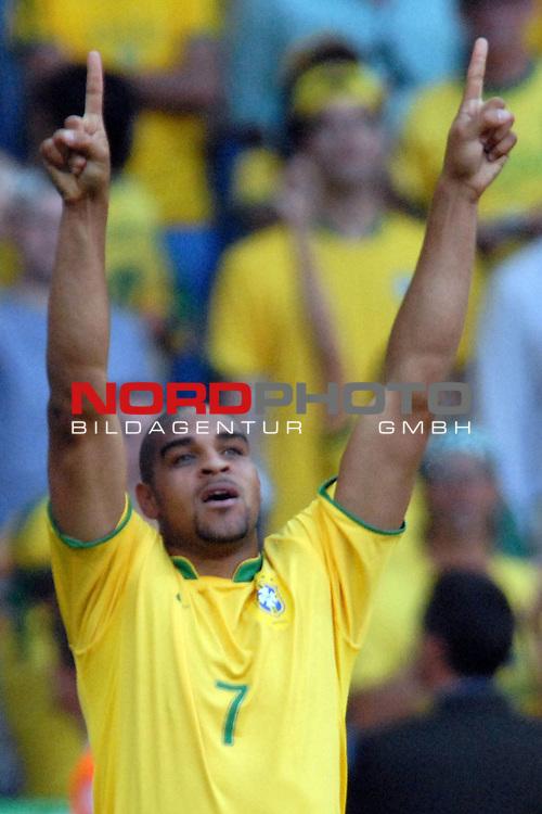 FIFA WM 2006 -  Gruppe F Vorrunde ( Group F )<br /> <br /> Play    #27 (18-Jun) - Brazil vs Australia<br /> <br /> Torjubel von Adriano (BRA)  nach seinem Treffer zum 1-0 gegen Australien<br /> <br /> <br /> <br /> <br /> Foto &copy; nordphoto