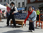 Jenny Mills enjoying the fun with Hilario Spillaci at the Droichead Arts Festival. Photo:Colin Bell/pressphotos.ie