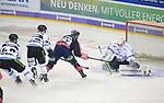 06.10.2019, Mercedes Benz Arena, Berlin, GER, 1.DEL, EISBAEREN BERLIN  VS.  Straubingen Tigers, im Bild <br /> Leonhard Pfoederl (Eisbaeren Berlin #93),<br /> Sebastian Vogel (Straubingen Tigers #25), Marcel Brandt (Straubingen Tigers #92)<br /> <br />      <br /> Foto © nordphoto / Engler