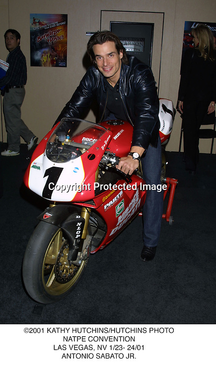 ©2001 KATHY HUTCHINS/HUTCHINS PHOTO.NATPE CONVENTION.LAS VEGAS, NV 1/23- 24/01.ANTONIO SABATO JR.