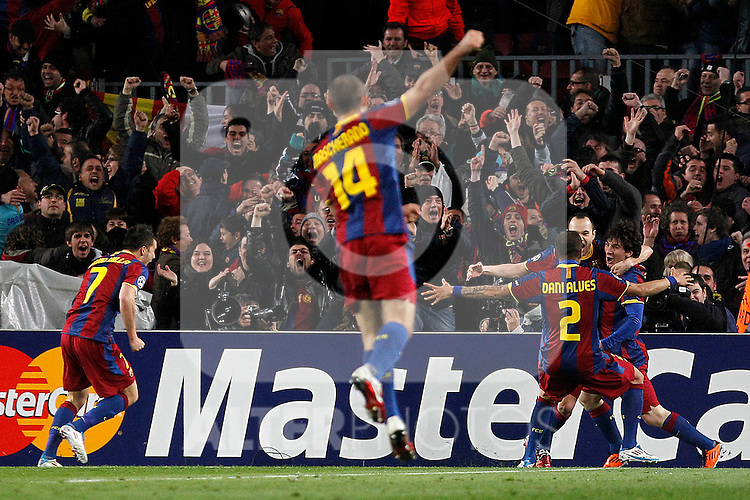 FC Barcelona's David Villa, Javier Mascherano, Daniel Alves, Andres Iniesta and Leo Messi celebrate goal during UEFA Champions League match.March 8,2011. (ALTERPHOTOS/Acero)