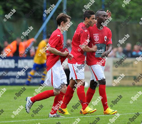 2013-07-03 / Voetbal / seizoen 2013-2014 / Wijnegem - R. Antwerp FC / Jordan Faucher (midden) viert zijn doelpunt<br /><br />Foto: Mpics.be