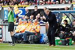 Nederland, Heerenveen, 6 mei 2012.Seizoen 2011/2012.Eredivisie.Heerenveen-Feyenoord 2-3.Ronald Koeman trainer-coach van Feyenoord juicht na de 2-3 overwinning op Heerenveen