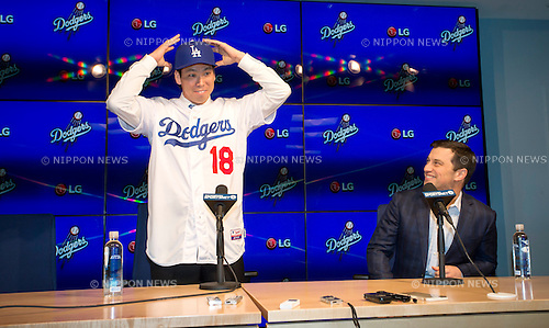 Kenta Maeda, Andrew Friedman (Dodgers),<br /> JANUARY 7, 2016 - MLB : Newly signed Los Angeles Dodgers pitcher Kenta Maeda (L) of Japan and Andrew Friedman (President of Baseball Operations) during Maeda's introductory press conference at Dodger Stadium in Los Angeles, California, United States.<br /> (Photo by Thomas Anderson/AFLO) (JAPANESE NEWSPAPER OUT)