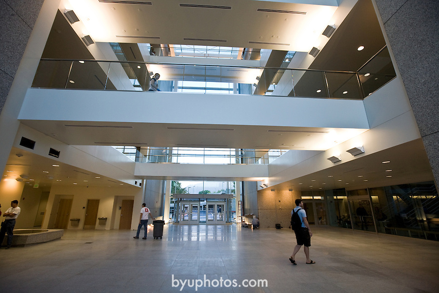 0809-03 055.CR2..0809-02 First Day of Class..First Day of the Fall 2008 Semester on Campus, GCS GCI..TNR Addition - Tanner Building Addition.September 2, 2008..Photo by Jaren Wilkey/BYU..© BYU PHOTO 2008.All Rights Reserved.photo@byu.edu  (801)422-7322
