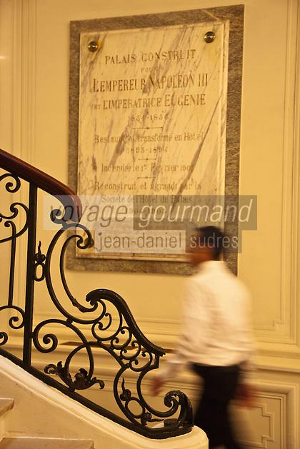 Europe/France/Aquitaine/64/Pyrénées-Atlantiques/Pays-Basque/Biarritz:  Escalier de l' Hôtel du Palais  ou  Villa Eugénie [Non destiné à un usage publicitaire - Not intended for an advertising use]