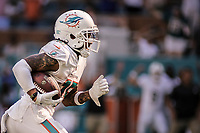 MIAMI, FL, 14.10.2018 – MIAMI DOLPHINS-CHICAGO BEARS – Jogador Wilson do Miami Dolphins (8), durante partida válida pela semana 6 da temporada regular da NFL, no Hard Rock Stadium, na tarde deste sábado (14). (Foto: Jayson Braga / Brazil Photo Press)