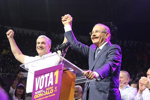 Gonzalo Castillo y Danilo Medina.