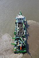Saugbagger Scheldt River auf der Elbe: EUROPA, DEUTSCHLAND, HAMBURG, NIEDERSACHSEN, SCHLESWIG HOLSTEIN, (EUROPE, GERMANY), 20.04.2018: Saugbagger Scheldt River auf der Elbe, das Laderaumsaugschiff fährt unter belgischer Flagge,