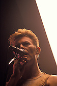 DAVID BOWIE - performing live on the first night of the Outside Tour at the Meadows Music Theater in Hartford Connecticut USA - 14 Sep 1995.  Photo credit: Marc Villalonga/Dalle/IconicPix **UK ONLY**