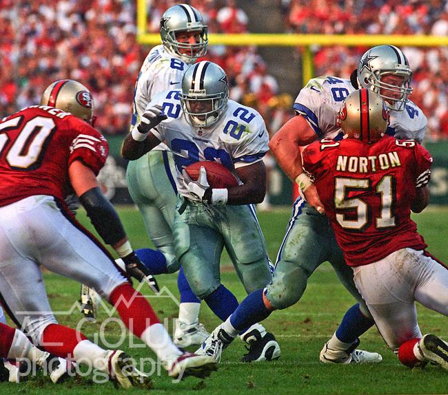 San Francisco 49ers vs. Dallas Cowboys at Candlestick Park Sunday, November 10, 1996.  Cowboys beat 49ers  20-17.  Dallas Cowboys running back Emmitt Smith (22).