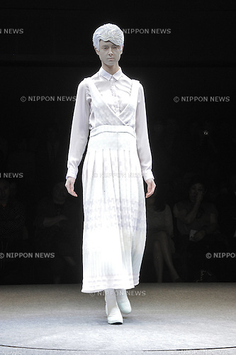 March 19, 2013, Tokyo, Japan - ANREALAGE - Autumn/Winter 2013-14 - Tokyo Collection - Runway. (Photo by Kjeld Duits/AFLO)