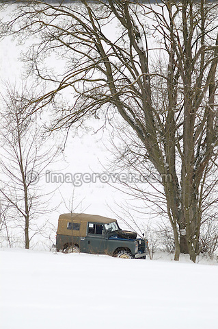 Germany, Land Rover Classic Club 2005. Victoria Meißner's Land Rover Series 2. --- No releases available. Automotive trademarks are the property of the trademark holder, authorization may be needed for some uses.