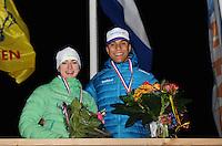 SCHAATSEN: BIDDINGHUIZEN: Flevonice, 19-02-2016, NK Kortebaan, Nederlands kampioenen Bente van den Berge en Daidai Ntab, ©foto Martin de Jong