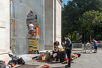"New York, USA. 5 Oct, 2017. Construction continues for Ai Weiwei's sculptural installation ""Good Fences Make Good Neighbors."" The installation 300 sculptures at various locations throughout New York City which opens 12 Oct is slated to run through February, in conjunction with the Public Art Fund's 40 anniversary. According to Chinese dissident and human rights activist Ai Weiwei, the work is Inspired by the international migration crisis and current global geopolitical landscape Credit: Stacy Walsh Rosenstock/Alamy Live News"