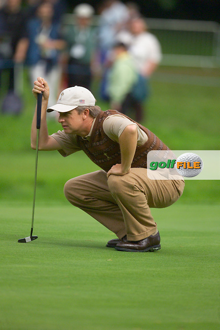 Straffin Co Kildare Ireland. K Club Ruder Cup...David Toms lineing up his putt on  the 16th green at the K Club in Straffan, Co Kildare, Ireland, 21 September 2006. The Ryder Cup competition between the American and European teams starts 22 September...Photo: Eoin Clarke/ Newsfile..