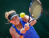 Paris, France, 5 June, 2017, Tennis, French Open, Roland Garros,  Juniors, Anestasia Potapova (RUS)<br /> Photo: Henk Koster/tennisimages.com