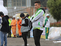 IPIALES - COLOMBIA, 20-08-2019: Dayron Perez técnico del Huila gesticula durante partido por la fecha 6 de la Liga Águila II 2019 entre Deportivo Pasto y Atlético Huila jugado en el estadio Estadio Municipal de Ipiales. / Dayron Perez coach of Huila gestures during match for the date 6 as part of Aguila League II 2019 between Deportivo Pasto and Atletico Huila played at Municipal stadium of Ipiales. Photo: VizzorImage / Leonardo Castro / Cont