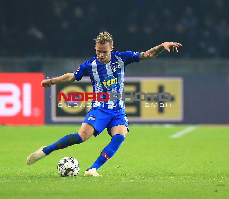 03.11.2018, OLympiastadion, Berlin, GER, DFL, 1.FBL, Hertha BSC VS. RB Leipzig, <br /> DFL  regulations prohibit any use of photographs as image sequences and/or quasi-video<br /> <br /> im Bild Ondrej Duda  (Hertha BSC Berlin #10)<br /> <br />       <br /> Foto &copy; nordphoto / Engler