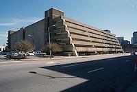 1996 April 01..Redevelopment..Macarthur Center.Downtown North (R-8)..FREEMASON GARAGE DEMO STUDY PHOTO.LOOKING SOUTHEAST ON MONTICELLO @FREEMASON GARAGE...NEG#.NRHA#..