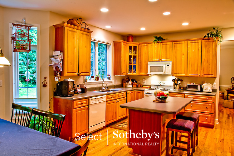 Offered for sale by Select Sotheby's International Realty [http://www.selectsothebysrealty.com] Owner/Broker John A. Burke Jr.