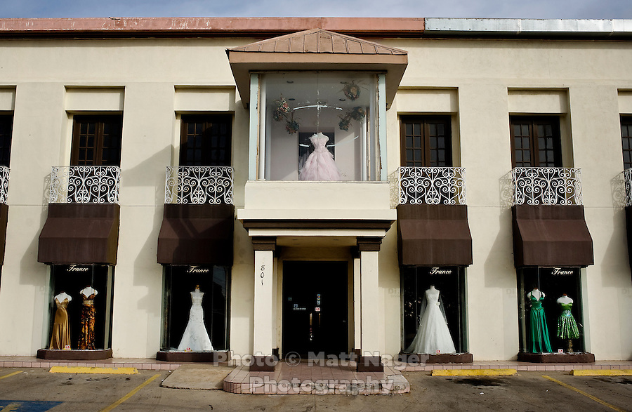 A bridal wedding dress store in West Laredo, Texas, Tuesday, Dec., 8, 2009. ..PHOTOS/ MATT NAGER