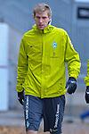 09.11.2010, Platz 5, Bremen, GER, Training Werder Bremen, im Bild  Per Mertesacker ( Werder #29 )  auf den Weg zum Training   Foto © nph / Kokenge