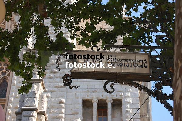 Placa Constituci&oacute; (Plaza de la Consttuci&oacute;n)<br /> <br /> 3308 x 2000 px