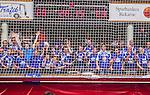 Eskilstuna 2014-05-12 Handboll SM-semifinal 3 Eskilstuna Guif - Alings&aring;s HK :  <br /> Alings&aring;s supportrar p&aring; ena kortsidan bakom ett n&auml;t under matchen<br /> (Foto: Kenta J&ouml;nsson) Nyckelord:  Eskilstuna Guif Sporthallen Alings&aring;s AHK SM Semifinal Semi supporter fans publik supporters